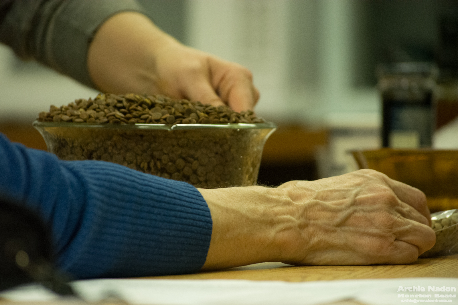 hands and seeds